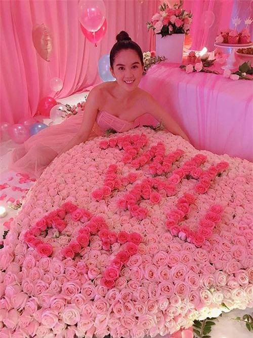 Loat hang hieu bac ty cua ban trai tang Ngoc Trinh truoc chia tay-Hinh-3