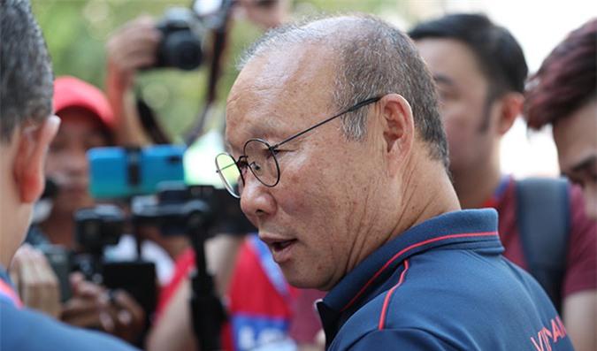 HLV Park Hang Seo mong truyền thông không tiết lộ đội hình của U22 Việt Nam ở những trận đấu sắp tới - Ảnh: Đức Cường