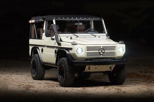 Hãng độ Expedition Motor Company (EMC) đã biến chiếc Mercedes G-Wagen đời cũ nhà binh thành mẫu xe hoàn toàn mới. Đây là phiên bản G-Class 250GD đời 1991. Hãng độ đã mất hơn 1.000 giờ để phục hồi và nâng cấp mẫu xe quân đội này.