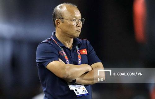 HLV Park Hang-seo không hài lòng khi đội hình của U22 Việt Nam được tiết lộ sớm.