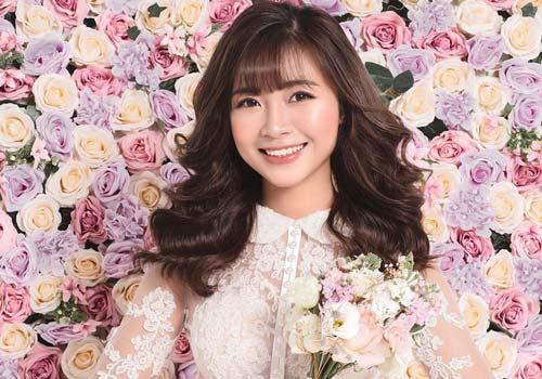 Vợ tương lai của Phan Văn Đức chính thức khoe ảnh cưới xinh đẹp