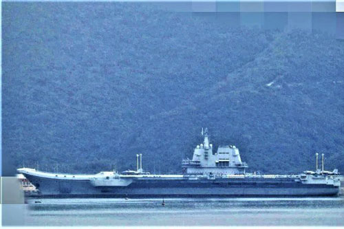 Theo những hình ảnh mới nhất vừa được lan toả trên mạng xã hội Trung Quốc, tàu sân bay mới nhất của nước này chiếc Type 001A dường như đã hoàn thành công đoạn đánh số. Nguồn ảnh: Twitter.