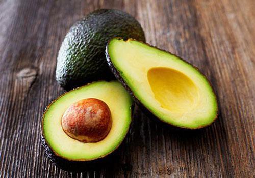 Thay đổi chế độ ăn là cách tốt nhất giúp tăng lượng chất béo có lợi và giảm các chất béo có hại.
