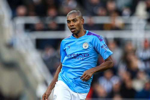 Tiền vệ: Fernandinho (Man City).