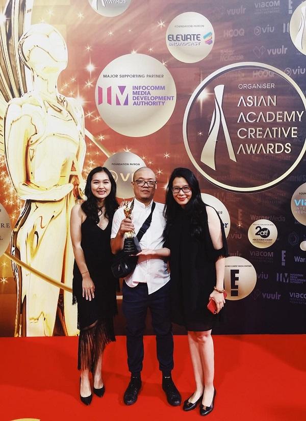 """K+ được trao tặng Tượng vàng """"Goddess of Creativity"""" tại Giải thưởng Hàn Lâm Sáng tạo Châu Á (AAA)."""