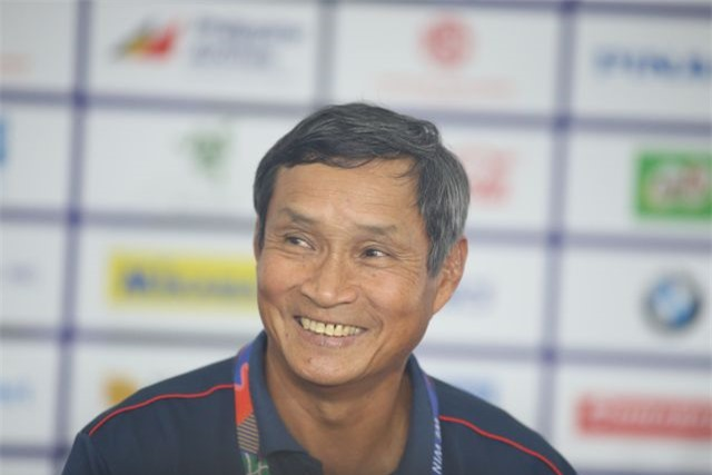 """HLV Mai Đức Chung: """"Thái Lan là đội mạnh, nhưng đội nữ Việt Nam sẽ quyết thắng"""" - 1"""