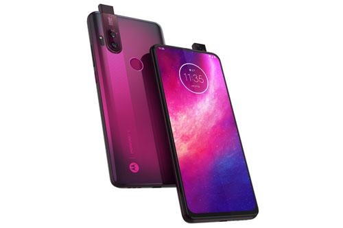 Motorola One Hyper có 3 tùy chọn màu sắc gồm Deepsea Blue, Dark Amber và Fresh Orchid. Giá bán của máy là 399,99 USD (tương đương 9,27 triệu đồng).