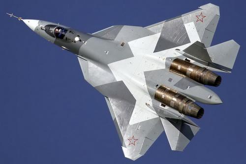 Tiêm kích tàng hình Su-57 của Nga hiện vẫn phải tạm dùng động cơ của chiến đấu cơ thế hệ 4. Ảnh: TASS.