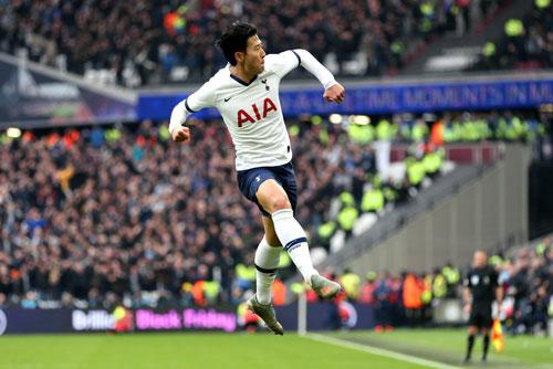 CLIP: Son Heung-min đột phá dũng mãnh, lập siêu phẩm đẹp hơn Messi