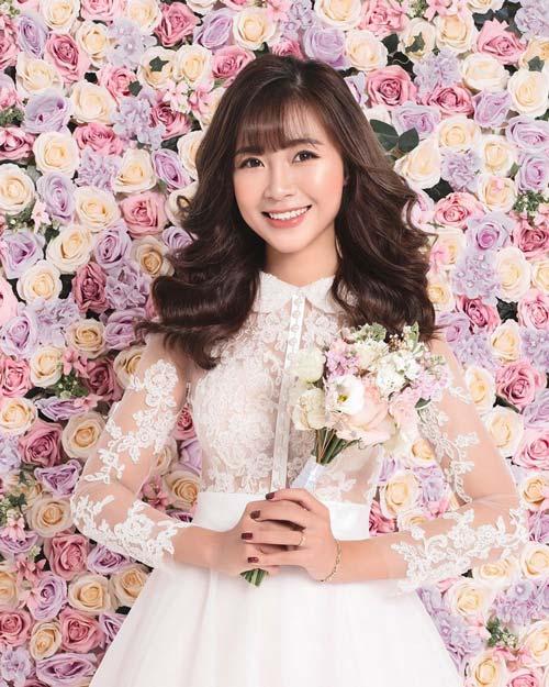 Lần đầu tiên, Nhật Linh công khai ảnh cưới.