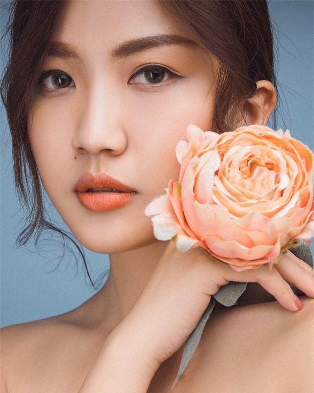 Nhan sắc 4 diễn viên gây chú ý trong Hoa hồng trên ngực trái - Ảnh 5.