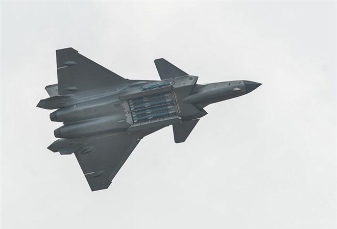 Tiem kich J-20 Trung Quoc dat hon F-35 My nhung van kem Su-57 Nga-Hinh-13