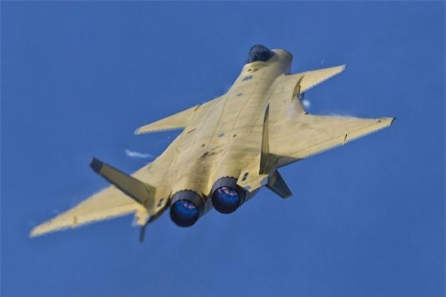 Tiem kich J-20 Trung Quoc dat hon F-35 My nhung van kem Su-57 Nga-Hinh-14