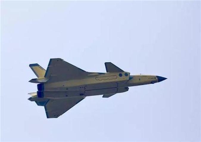 Tiem kich J-20 Trung Quoc dat hon F-35 My nhung van kem Su-57 Nga-Hinh-7