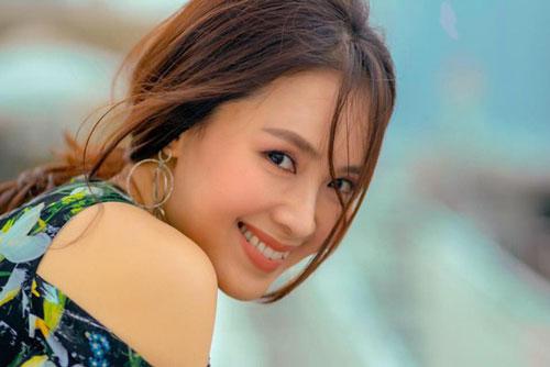 Hồng Diễm: Hồng Diễmsinh năm 1982, xuất thân là người mẫu.Năm 2011, nhờ thành công của Cầu vồng tình yêu, người đẹp 37 tuổi chính thức rẽ lối sang con đường diễn xuất chuyên nghiệp.Nữ diễn viên 37 tuổi khiến nhiều người đồng cảm, thương xót khi hóa thân thành Khuê - người phụ nữ chịu nhiều thiệt thòi trong hôn nhân.