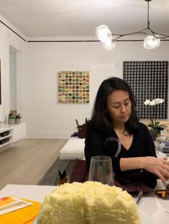 Hình ảnh bà xã Lý Liên Kiệt được con gái đăng tải.