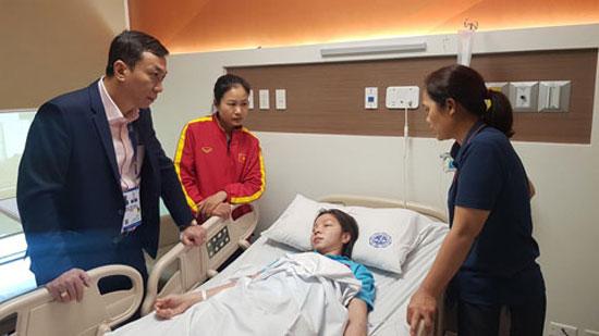 Trung vệ ĐT nữ Việt Nam - Trần Thị Hồng Nhung nhập viện vì kiệt sức