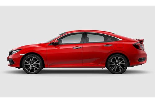 10. Honda Civic (doanh số: 23.676 chiếc).