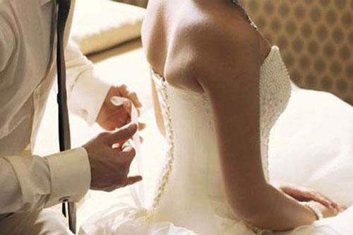 Kết hôn với chồng ngoại quốc, đêm tân hôn cô dâu ngã ngửa biết sự thật