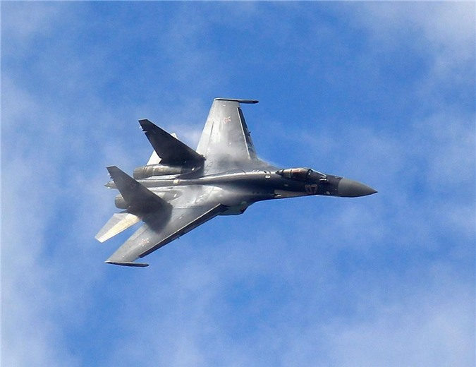 Co Rafale, Khong quan An Do quay sang che bai Su-35 Nga tham te-Hinh-4