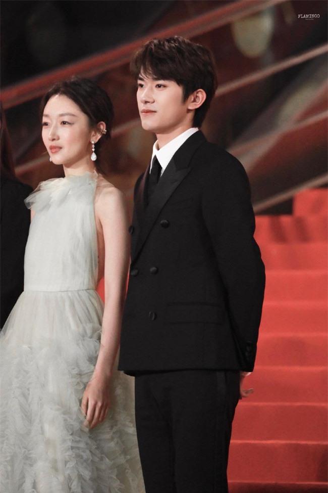 Thảm đỏ LHP quốc tế Macau 2019: YoonA xinh đẹp làm lu mờ dàn sao Hoa ngữ  - Ảnh 6.
