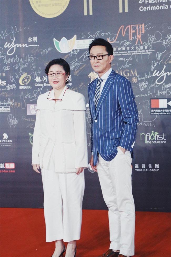 Thảm đỏ LHP quốc tế Macau 2019: YoonA xinh đẹp làm lu mờ dàn sao Hoa ngữ  - Ảnh 7.