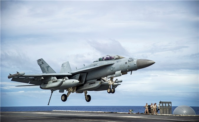 Tiem kich EA-18G Australia no tung, My tu choi boi thuong?-Hinh-18