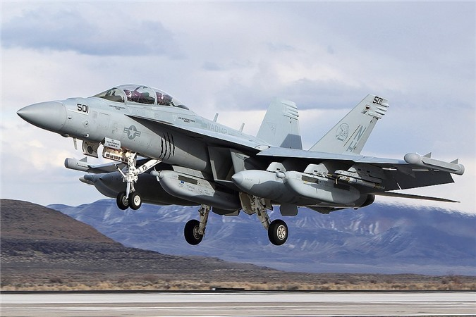 Tiem kich EA-18G Australia no tung, My tu choi boi thuong?-Hinh-24