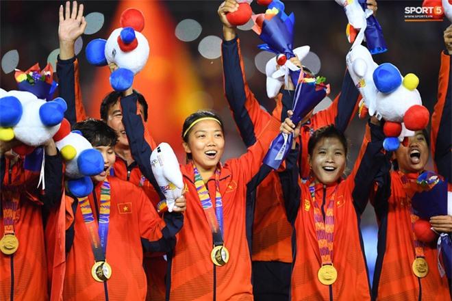 U22 Việt Nam nhận được lời chúc ý nghĩa từ đội tuyển bóng đá nữ vô địch SEA Games 30 - Ảnh 2.