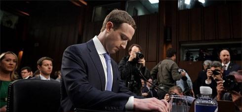 Vì sao Mark Zuckerberg và nhiều tỷ phú chỉ nhận lương 20.000 đồng/năm: Tưởng bóc lột nhưng hóa ra đầy lộc lá - Ảnh 2.