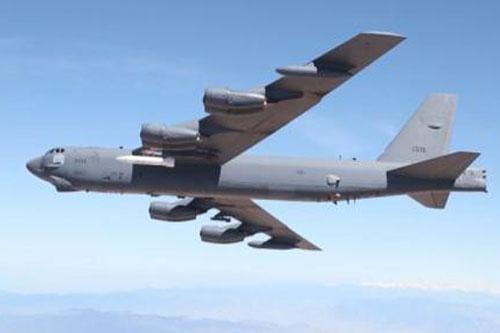 Tên lửa siêu thanh trên máy bay B-52H.