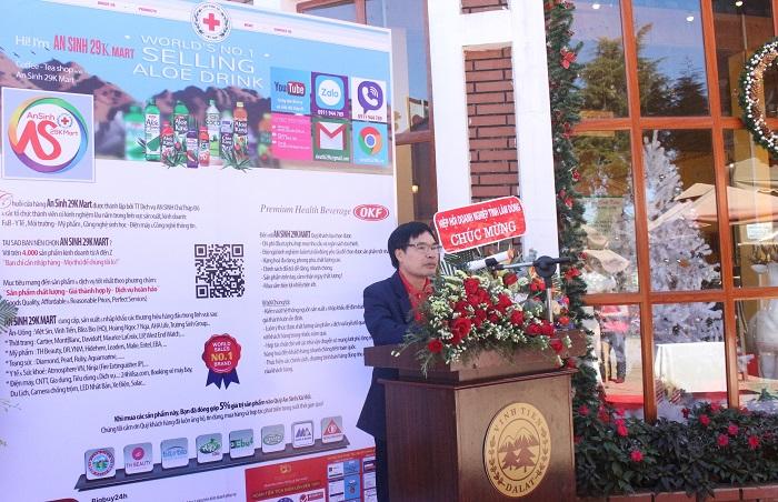ông Trần Bá Thỉnh, Giám đốc Trung tâm dịch vụ An sinh Chữ thập đỏ