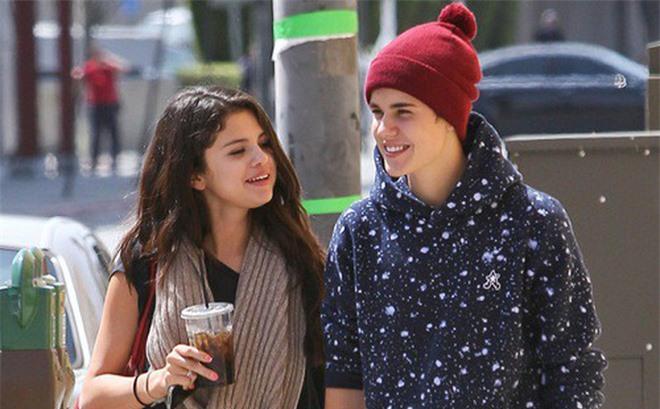 """2 lần nhắc đến bạn gái cũ đều """"ám muội"""", đây là lí do fan vẫn """"đẩy thuyền"""" Justin Bieber và Selena Gomez dù đã chia tay từ lâu? - Ảnh 3."""