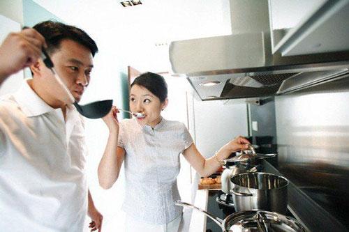 Những thói quen chi tiêu thiếu kiểm soát khiến các cặp vợ chồng mới cưới rơi vào tình trạng thâm hụt tài chính (Ảnh: Shutter Stock)