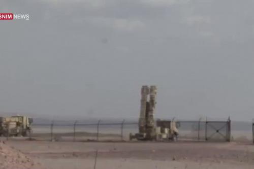 Iran đã đưa tên lửa phòng không của mình tới căn cứ sân bay quân sự T4 trên đất Syria. Ảnh: Al Masdar News.