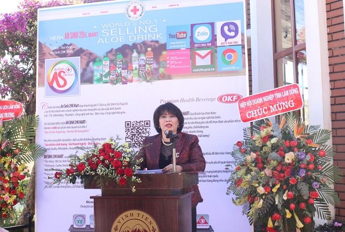 """bà Nguyễn Thị Bích Huệ, Giám đốc Công ty TNHH Vĩnh Tiến – người """"mang"""" """"Cửa hàng An sinh 29k"""" về Đà Lạt"""