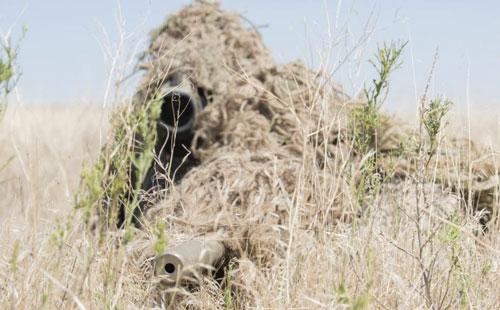Xạ thủ bắn tỉa ẩn nấp chỉ cách 1 mét, hàng chục binh sĩ Mỹ tìm mãi không thấy