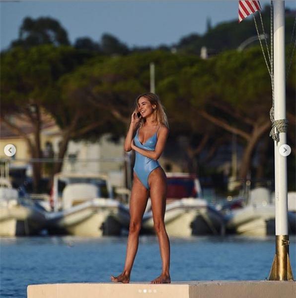 Không thể rời mắt khỏi vóc dáng tuyệt mỹ của chân dài Kimberley Garner - ảnh 1