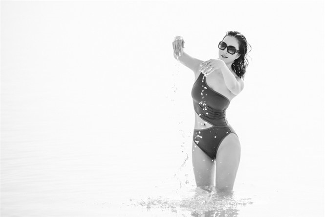 MC Thanh Mai gây 'choáng' khi mặc bikini khoe body không tỳ vết ở tuổi 46 - ảnh 3