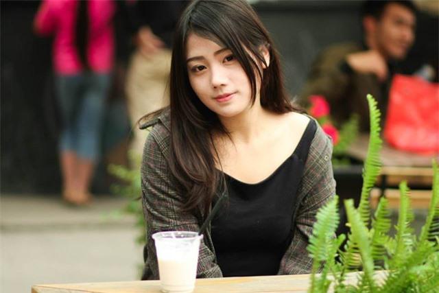 Mặt xinh dáng đẹp, hot girl CS:GO này chính xác là hình mẫu người yêu trong mơ của mọi game thủ Việt - Ảnh 4.