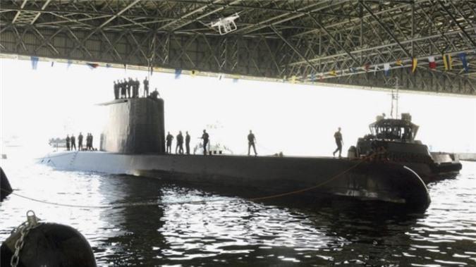 Philippines muon nang tam hai quan voi tau ten lua FAICM, tau ngam Type 209-Hinh-6
