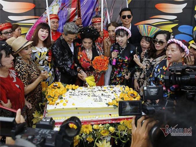 Sau on ao bi vo cu to, MC Thanh Bach lam dam cuoi lan thu 10-Hinh-2