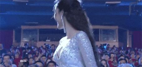 Su co cua Mai Phuong Thuy va dan nguoi dep tren song truc tiep-Hinh-6
