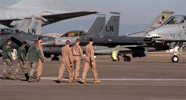 """Thổ Nhĩ Kỳ dọa """"cấm cửa"""" Mỹ khỏi căn cứ quân sự vì căng thẳng S-400 - 1"""