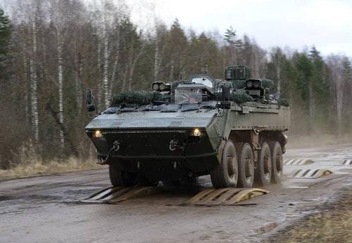 Loại xe thiết giáp mới bậc nhất của Nga hiện nay là thiết giáp Bumerang với tên đầy đủ là VPK-7829. Đây là loại thiết giáp được chế tạo theo công nghệ mô-đun, có khả năng hoạt động như thiết giáp chở quân lội nước hoặc xe chiến đấu bộ binh. Nguồn ảnh: Livejour.