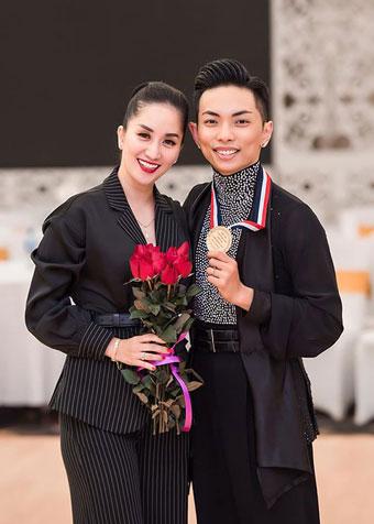 Mới đây, Phan Hiển khiến người hâm mộ Việt Nam nức lòng vì giành huy chương vàng SEA Games ở bộ môn dancesport.