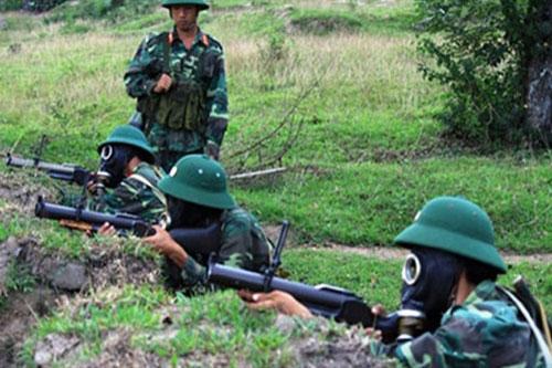 Đầu tiên phải nhắc tới súng phóng lựu M79 của Việt Nam. Nói một cách ngắn gọn thì M79 có khả năng tác chiến khá tốt, hiệu quả tác chiến cực cao nhất là khi được sử dụng bởi xạ thủ dày dặn kinh nghiệm. Nguồn ảnh: Pinterest.