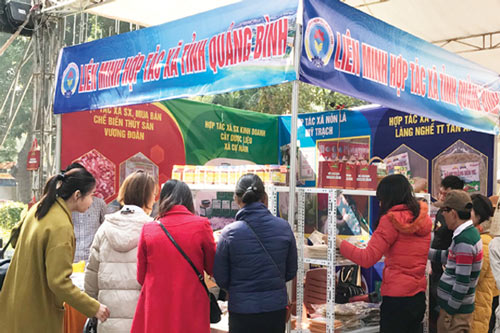Gian hàng của Liên minh HTX tỉnh Quảng Bình tại Hội chợ