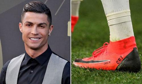 Ronaldo là ngôi sao thứ 3 được NIKE ký hợp đồng trọn đời