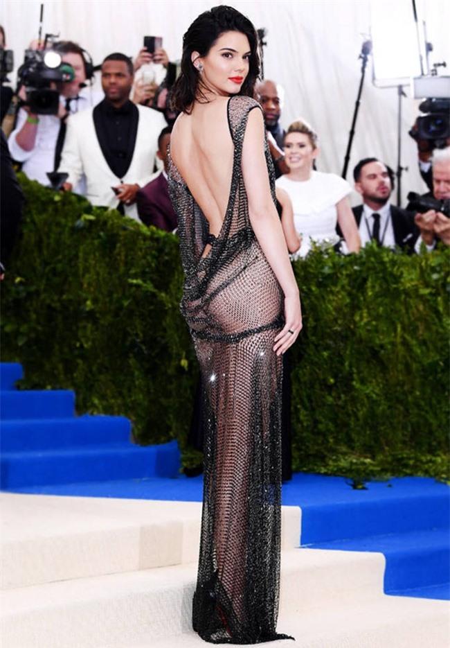 cap hot girl so 1 hollywood dien bikini khien nguoi tam bien xao nhang hinh anh 8